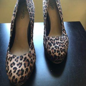 Women's Leopard Pumps